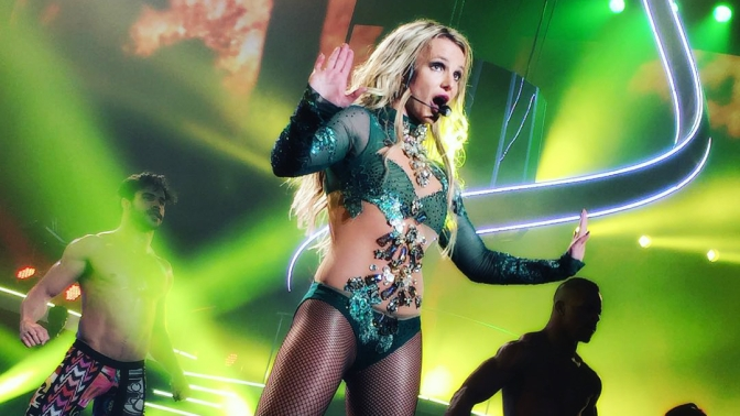 3 Things Britney Spears will do at the Billboard Music Awards to steal the show!